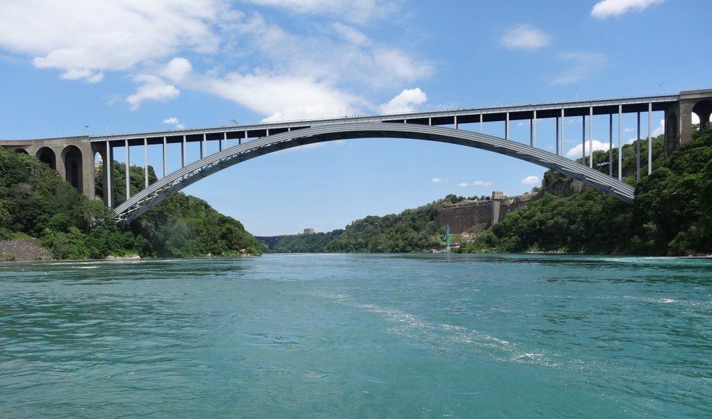 Canada US border bridge