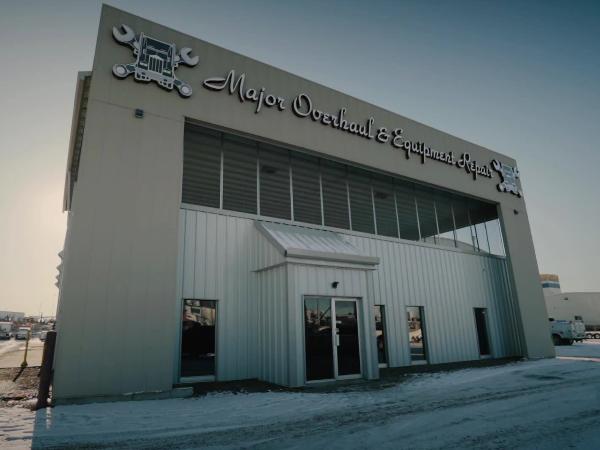 Truck repair shop in Edmonton Major Overhaul and Equipment Repair
